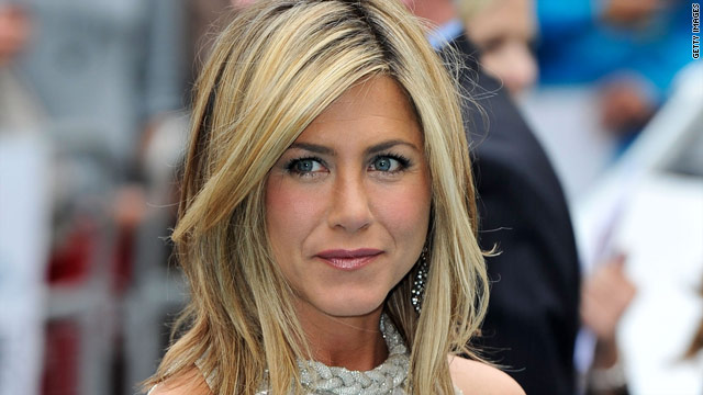 Jennifer Aniston re-wears her clothes