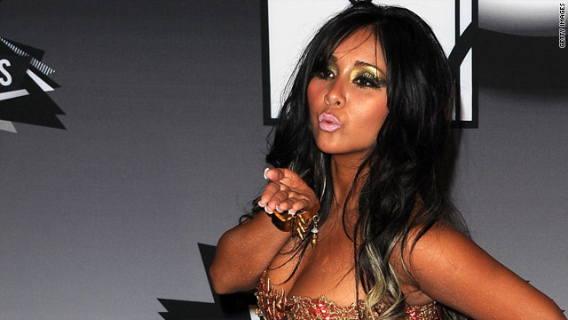 Snooki's new scent doesn't smell like pickles?!