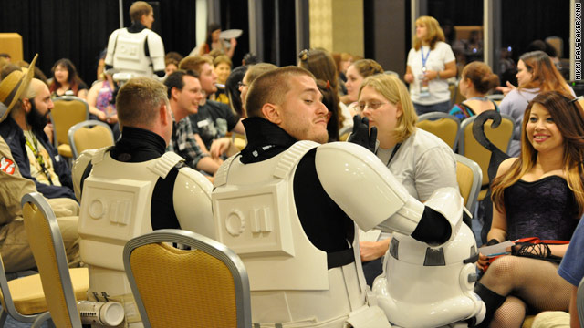 Lightspeed dating: Using The Force to find love at Dragon*Con