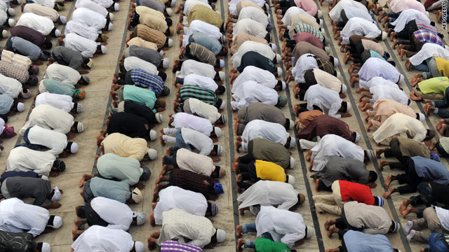 Poll: Many Americans uncomfortable with Muslims