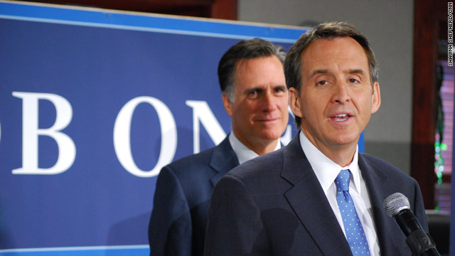 Pawlenty: Romney&#039;s front-line defender
