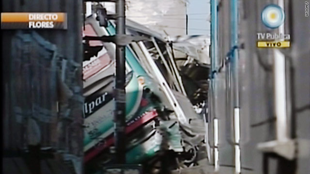 7 killed, more than 160 hurt in Argentina bus-train wreck