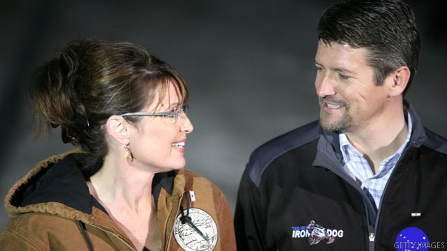 Palin endorses (Todd, that is)