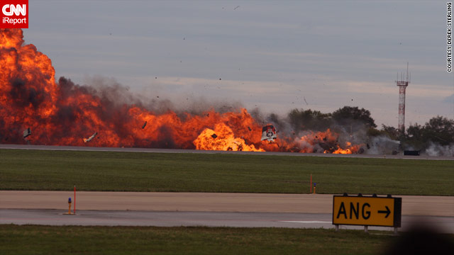 Plane crashes at air show in West Virginia