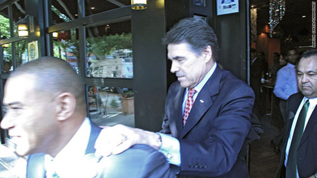 Rick Perry courts New York business owners
