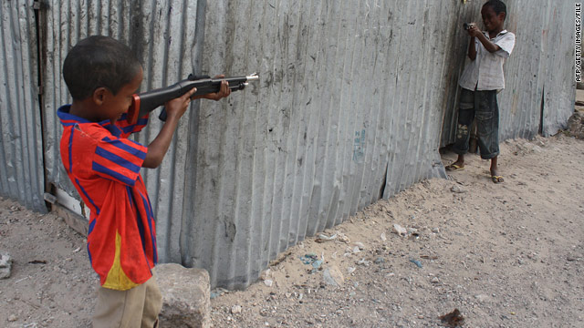 Somali teens earn guns in Quran recitation contest