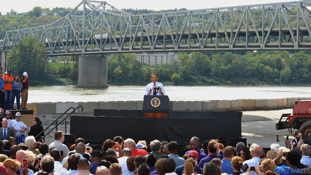 Obama tries to bridge differences, literally, on jobs bill