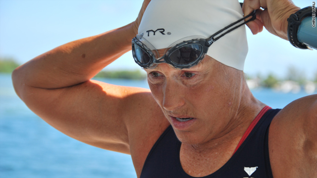 Diana Nyad begins new attempt at swim record