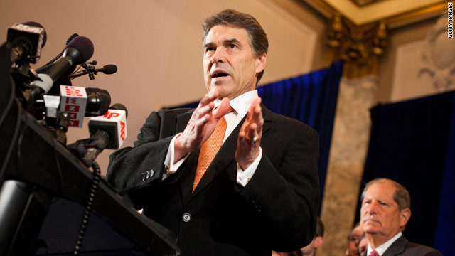 Perry tells social conservatives to pray for Obama