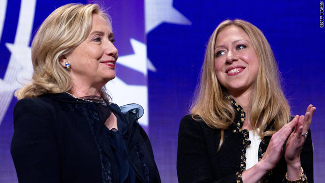 Chelsea Clinton quizzes mom on technology, global issues
