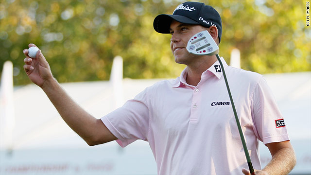Bill Haas beat fellow American Hunter Mahan in a playoff to win both the Tour Championship and FedEx Cup.