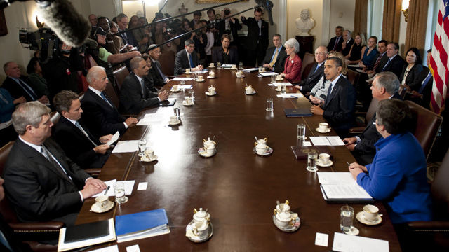 Obama pushes jobs at Cabinet meeting