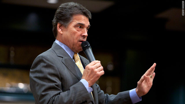 Perry steps up courtship of cultural conservatives in Iowa