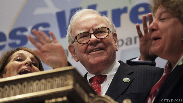 Buffett hopes for a Clinton White House in 2016