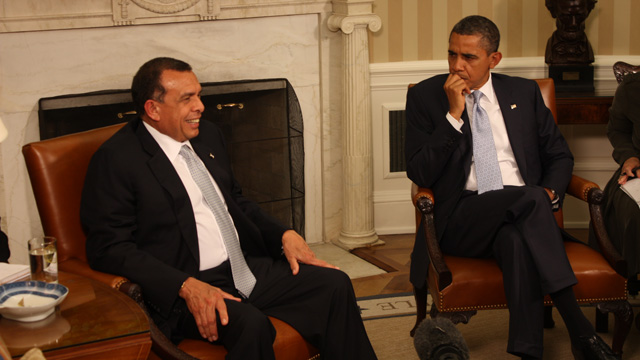 Pres. Obama meets with Honduran Pres. Porfirio Lobo