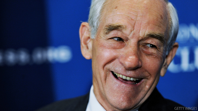 Ron Paul builds war chest