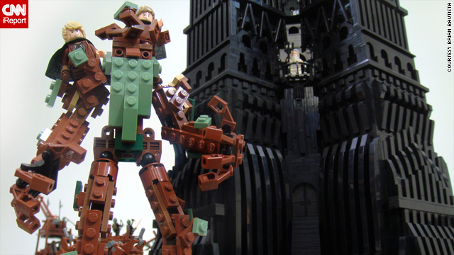 Classic 'Lord of the Rings' battle captured in Legos