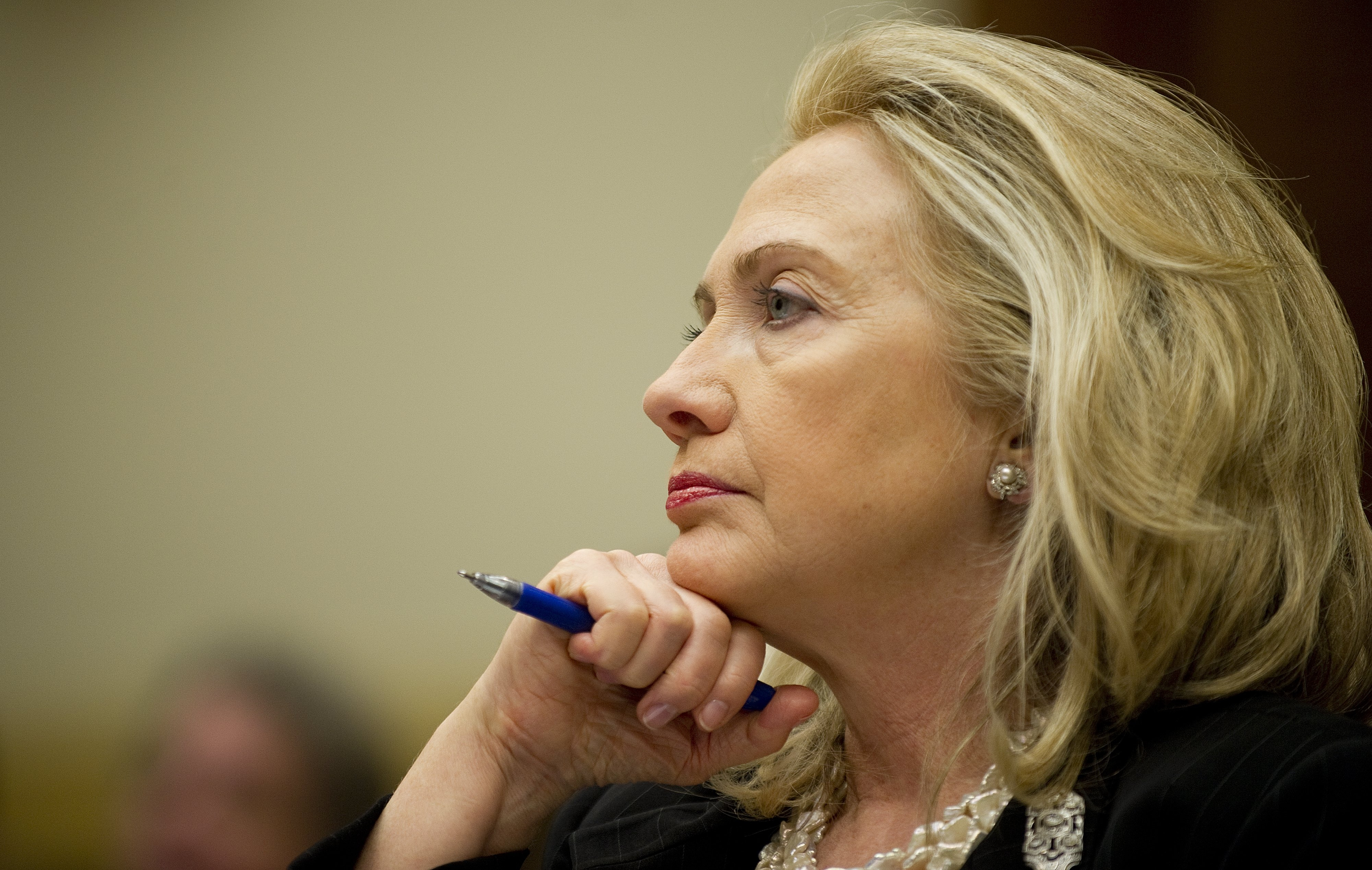Clinton: U.S. would negotiate with Taliban leader