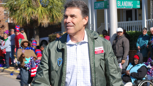 Perry seeks support as he remembers vets