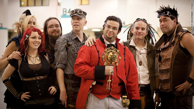Steampunk: Twisting history, crafting community