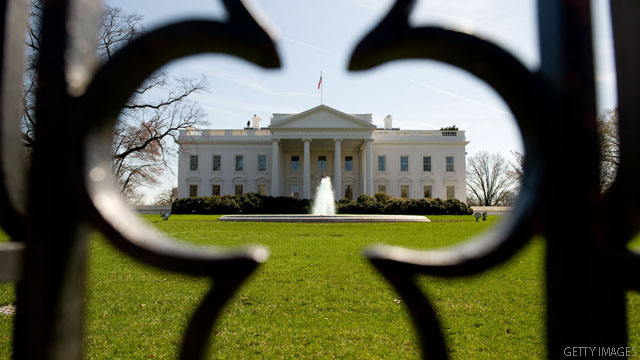 Bullet strikes White House window