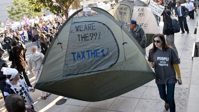 Survey: 3 in 10 Americans identify with Occupy, Tea Party movements