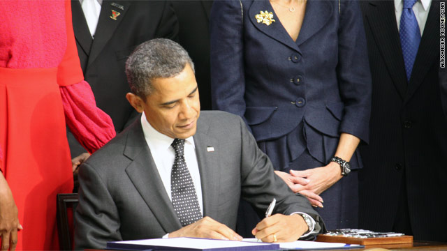 Obama signs veterans bill into law