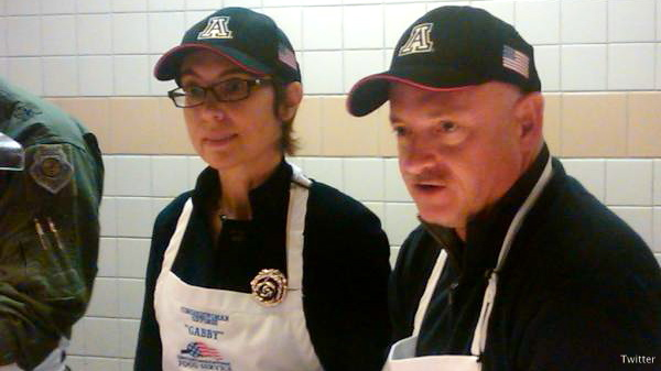 Giffords serves dinner to troops