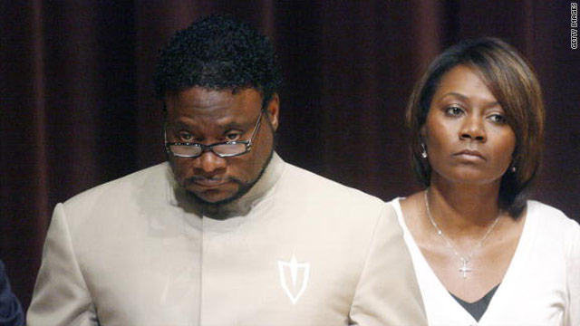 Engage: Eddie Long's wife files for divorce