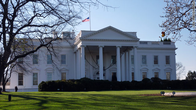 All clear at White House after man tries to jump fence