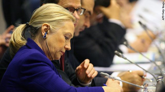Clinton to Syrian opposition: ousting al-Assad is only first step in transition