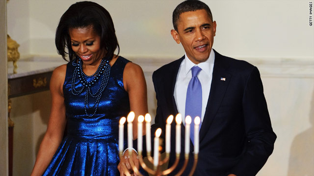 Obama hosts an early Hannukah reception