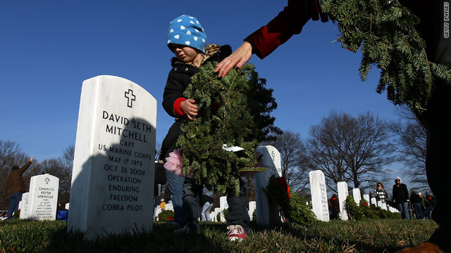 90,000 new holiday wreaths spark reflection on war