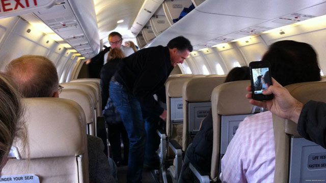 Romney&#039;s &#039;Hair Force One&#039; takes flight