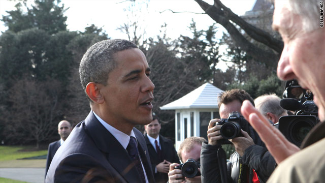 Obama sends holiday cheer to the press