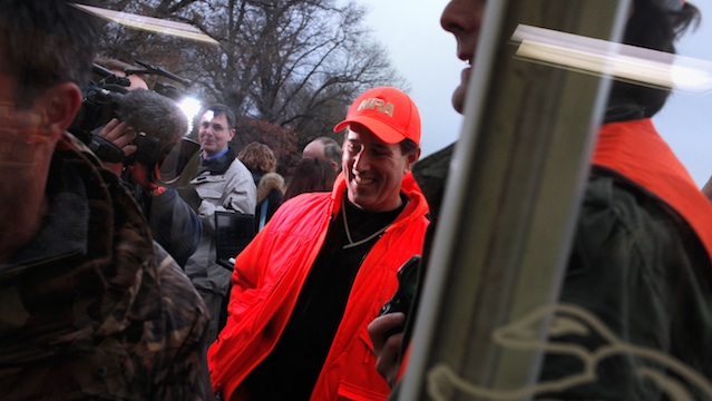 Santorum hunts birds and serves up photo op