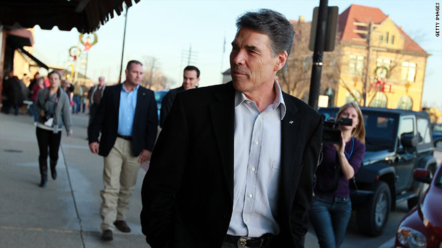 Jogging gives Perry a boost in Iowa race