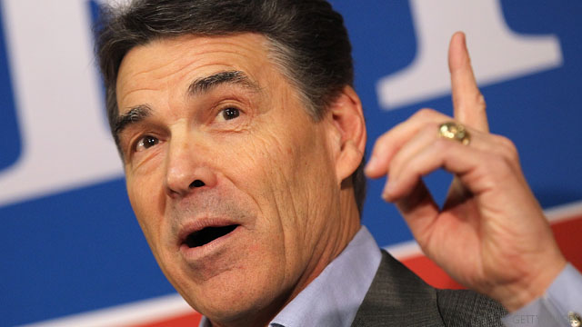 Perry zeroes in on Santorum
