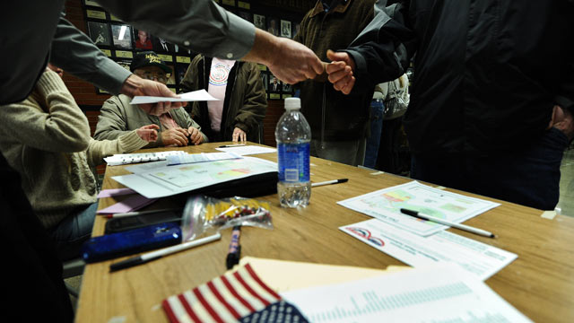 Iowa caucus entrance polls: How big a role did late deciders play?