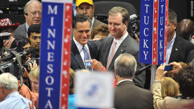 Before voting begins, Romney takes small delegate lead