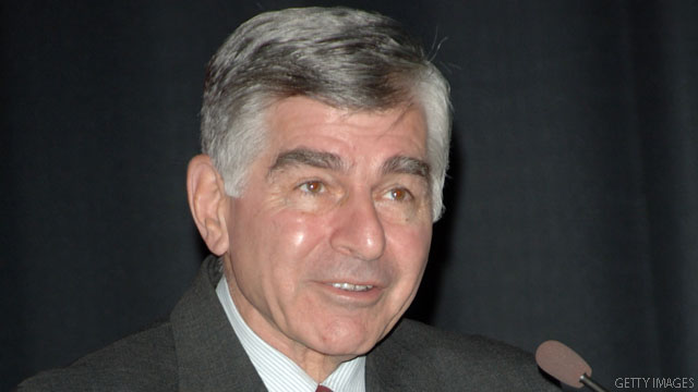 Dukakis offers campaign advice, from Manchester to milk shakes