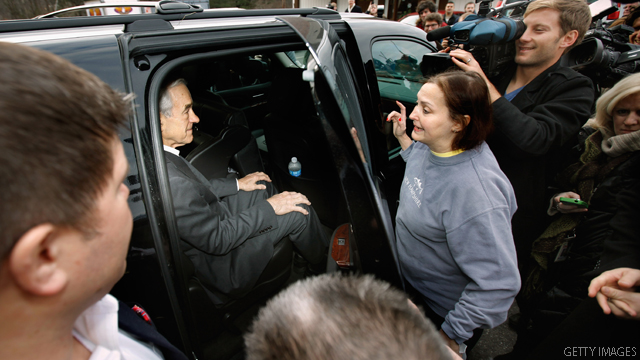 Manchester madness surrounds Ron Paul