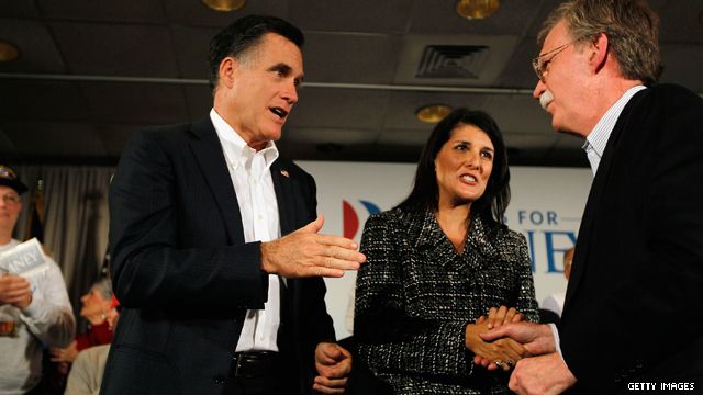 Romney takes stage with lively trio