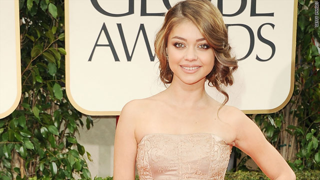 Sarah Hyland on Globes wardrobe malfunction