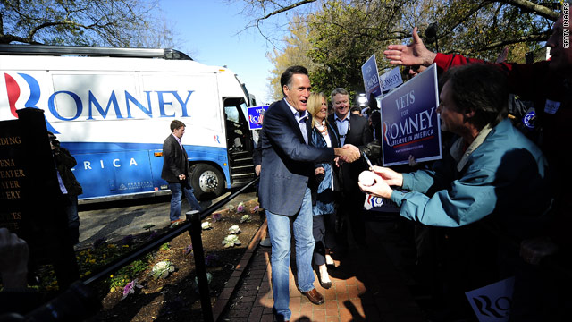 In shift, Romney campaign targets Gingrich