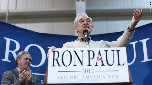 Paul compares campaign to American Revolution at rain-soaked rally