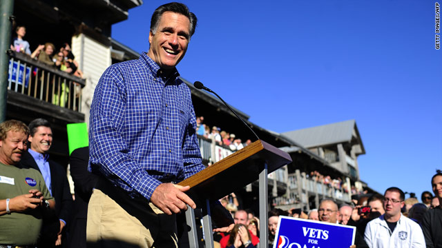 Voight, McCain join Romney for lighthearted rally