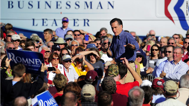 Romney picks up Gingrich attacks