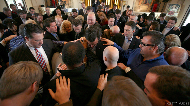 Santorum talks faith with Texas pastors