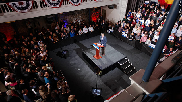 Post-Santorum victories, Romney goes after Gingrich